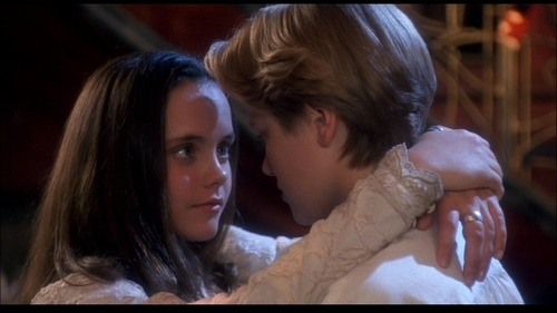 Christina-in-Casper-christina-ricci-13124493-853-480_large