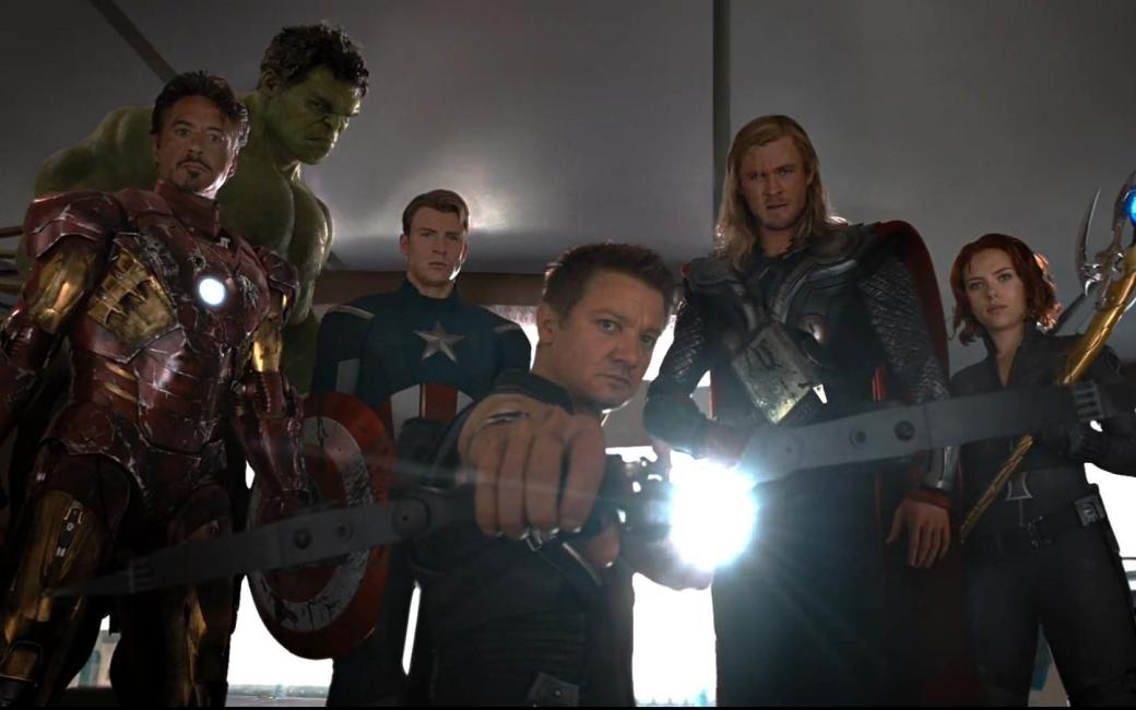avengers-movie-bow-weapon-movie-stills-sceptres-1440x900-66303
