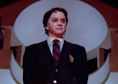 Frank Whaley (Pulp Fiction, Luke Cage) as Boy.